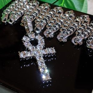 """Jewelry - 🔱30"""" Silver Plated🔱Cuban Chain & Iced Out Ankh"""